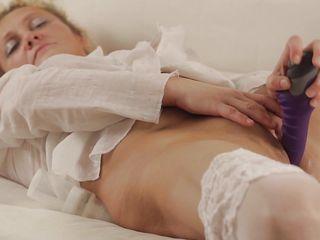 мама учила сына дрочить порно секс фото