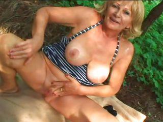 Порно видео старых баб нарезки
