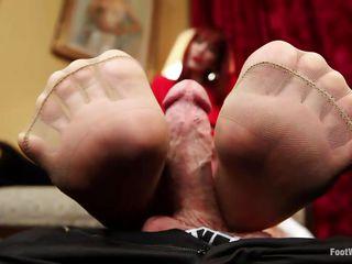 Порно лижет госпоже фемдом