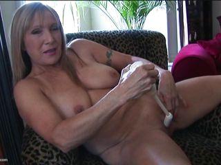 Порно зрелые натуральные сиськи