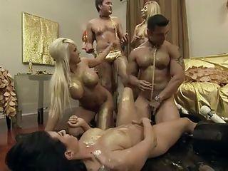 Секс втроем домашний