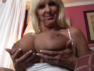 Волосатые женщины с маленькими сиськами порно фото