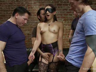 Нравится ли женщинам грубый секс