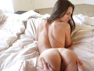 Короткое порно с большими попами