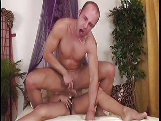 Страпон анал видео