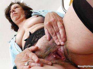 Порно волосатые киски толстушек