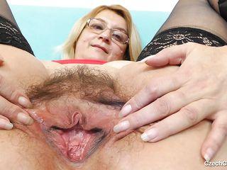 Порно зрелые волосатые в жопу