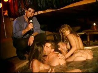 Секс втроем домашняя съемка