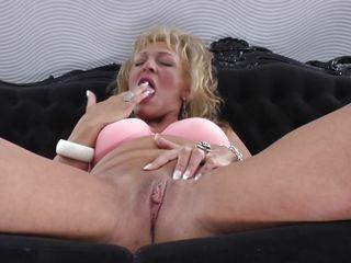 Групповуха зрелые женщины порно онлайн