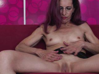 Порно онлайн не снимая нижнего белья