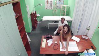 девочка у врача порно