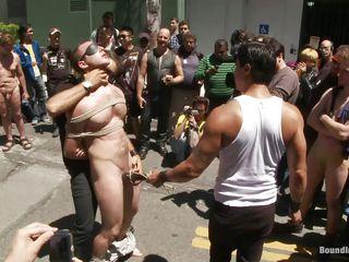 Нудисты геи на пляже