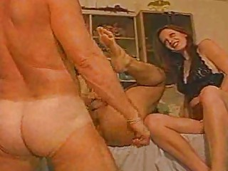 Порно жена шлюха мужа унижают
