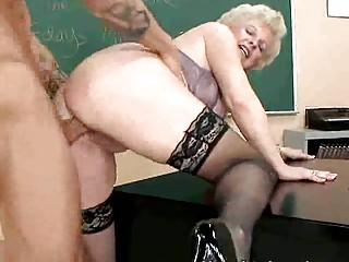 Домохозяйки порно зрелые дамы