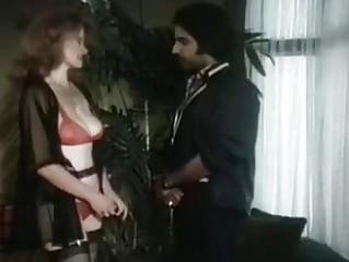 Лучшие порно фильмы грудастые домохозяйки