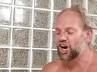 Смотреть порно бесплатно ссут
