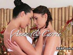 Видео массажистки лесбиянки