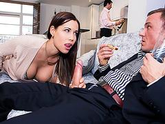 Порно жена отсосала боссу