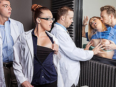 Порно няня медсестра