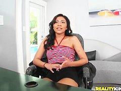 Видео секс молодая первый раз