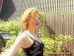 Секс у бассейна любительское видео