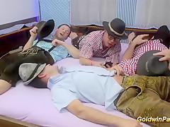 Немецкое ретро порно свингеров