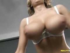 мастурбация струей видео