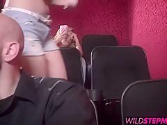 Порно трахают большими членами