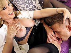 Порно 2 больших члена в жопу