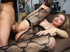 Служанка усыпила хозяина порно онлайн