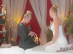 Лесбиянки массаж смотреть