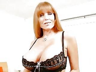 Видео грудастые зрелые дамы