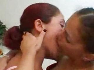 Лесбийское бдсм порно