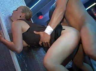 Секс на улицах города