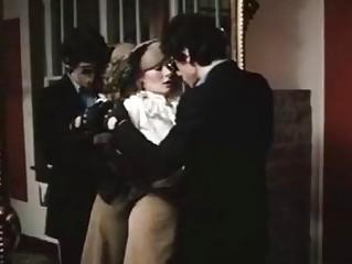 Порно шла девушка по улице