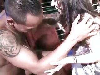Секс на улице реальное видео