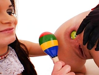 Семейная пара любит секс игрушки порно
