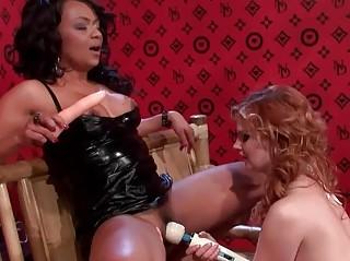 Короткое порно секс игрушки